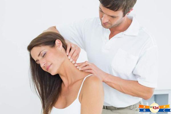 Ở một số phụ nữ mắc ung thư vú, họ cảm thấy đau lưng hay vai chứ không phải ở ngực hoặc vú