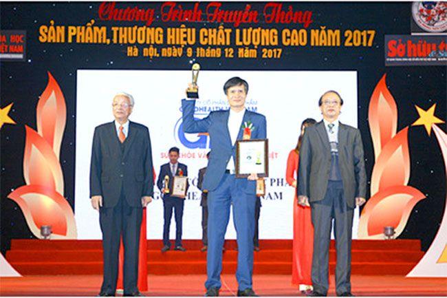 Công ty Dược phẩm GOLDHEALTH Việt Nam nhận cúp vàng sản phẩm thương hiệu chất lượng cao năm 2017