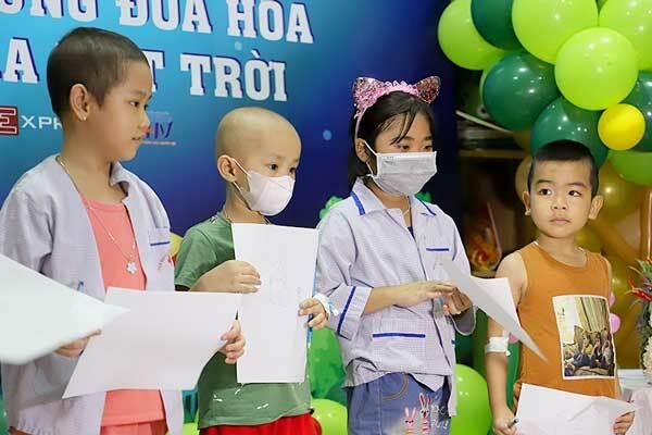 Các bệnh nhi tham gia các hoạt động trong buổi lễ Trung thu
