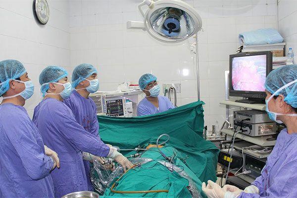 Điều trị ung thư tuyến giáp bằng phương pháp phẫu thuật