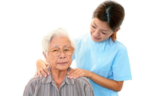 Nguyên nhân gây ra ung thư tuyến giáp do tuổi tác