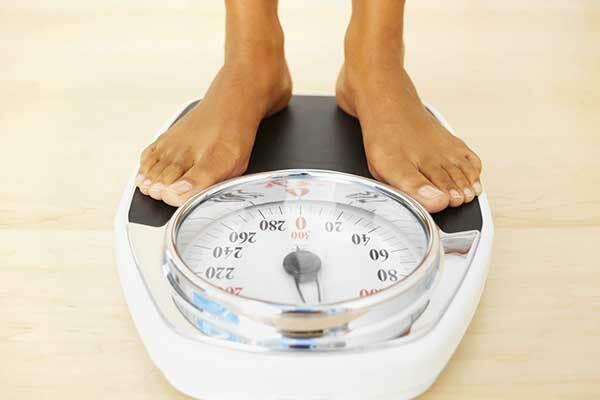 Ung thư đại tràng thường khiến cho nhân bệnh nhân sụt cân