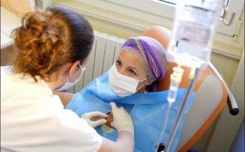 Bí quyết đẩy lùi tác dụng phụ của hóa trị ung thư