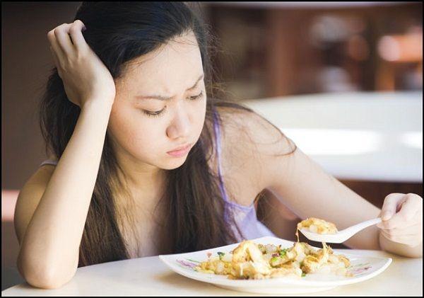 Chán ăn là dấu hiệu sớm của ung thư buồng trứng