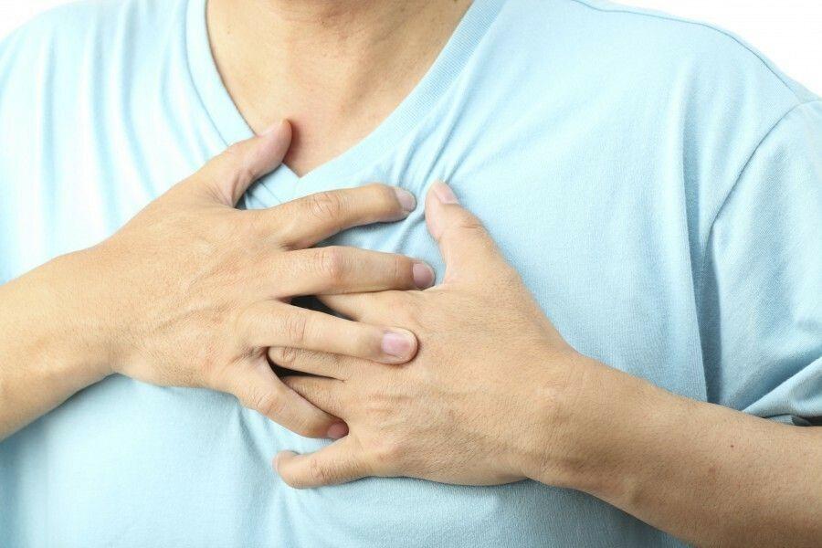 Triệu chứng thường gặp ở người bệnh ung thư phổi là đau tức ngực