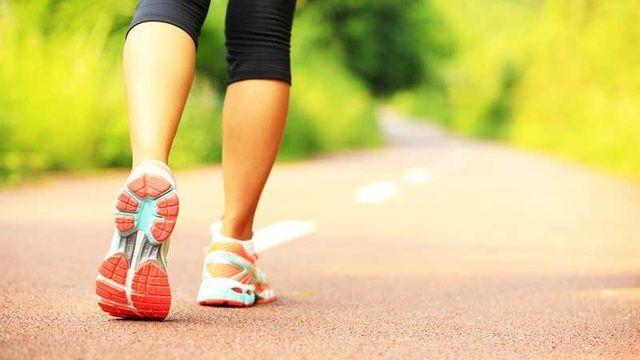 Bệnh nhận ung thư vú nên thường xuyên đi bộ để nâng cao sức khỏe