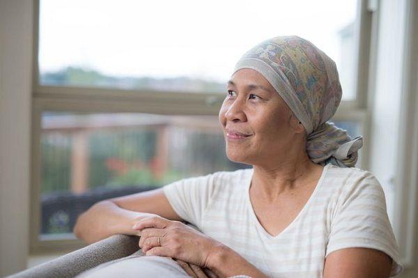 Hóa trị ung thư gây rụng tóc