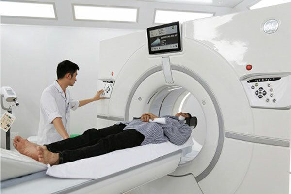 Chẩn đoán ung thư thực quản bằng phương pháp chụp CT dể phát hiện chính xác khối u