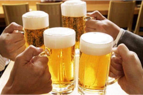 Việc sử dụng bia rượu nhiều sẽ làm tổn thương thực quản gây ung thư thực quản