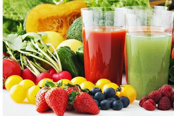Bệnh nhân xạ trị ung thư thực quản nên sử dụng nước ép hoa quả trong thức uống hàng ngày