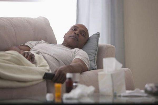Xạ trị ung thư vòm họng gây tác dụng phụ mệt mỏi cho người bệnh