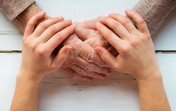 Chăm sóc giảm nhẹ cho bệnh nhân ung thư dạ dày giai đoạn cuối là cực kì quan trọng