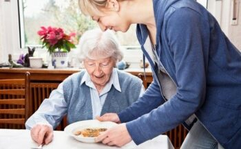Chế độ dinh dưỡng cho bệnh nhân ung thư dạ dày