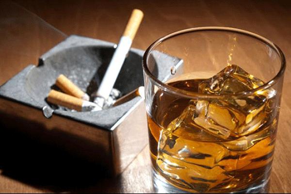 Người bệnh tuyệt đối không sử dụng các loại thức uống chứa cồn và chất kích thích.