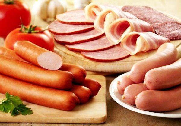 Hạn chế ăn xúc xích, thực phẩm đã qua chế biến để giảm nguy cơ mắc ung thư đại tràng