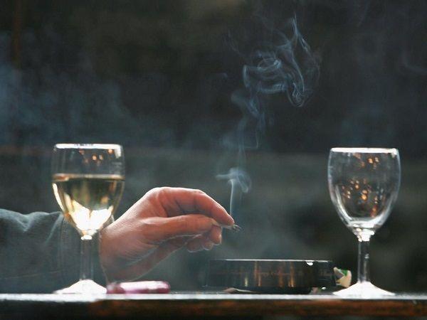 Hút thuốc lá và uống rượu nhiều tăng nguy cơ mắc ung thư lưỡi