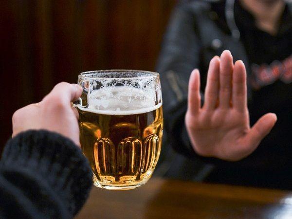 Không sử dụng rượu bia sau phẫu thuật đại tràng