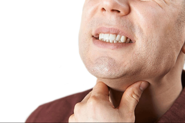 Nuốt đau là một trong những triệu chứng ung thư tuyến giáp