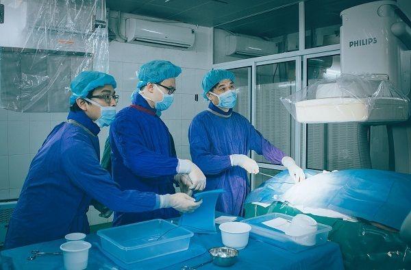 Phẫu thuật là phương pháp quan trọng điều trị ung thư ruột