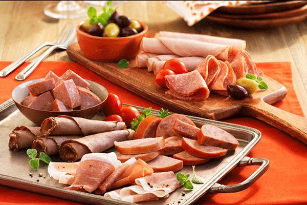 Người bệnh ung thư tuyến giáp nên hạn chế thức ăn chế biến sẵn