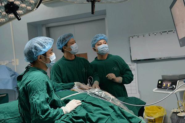 Phương pháp mổ nội soi trong điều trị ung thư tuyến giáp
