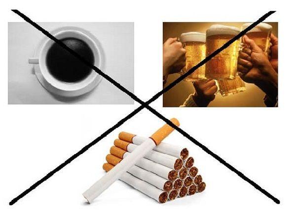 Bệnh nhân ung thư dạ dày không nên sử dụng đồ uống có chất kích thích