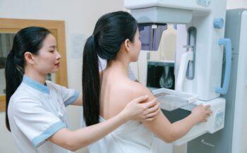 7 dấu hiệu bệnh ung thư vú thường gặp