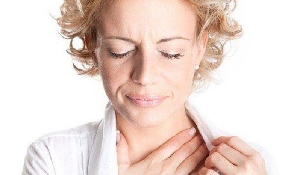 Nuốt nghẹn là một trong những triệu chứng thường gặp nhất ở bệnh nhân ung thư thực quản