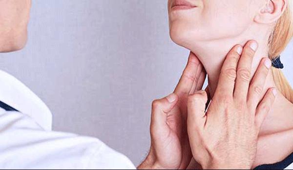Xuất hiện hạch ở cổ là triệu chứng ung thư tuyến giáp
