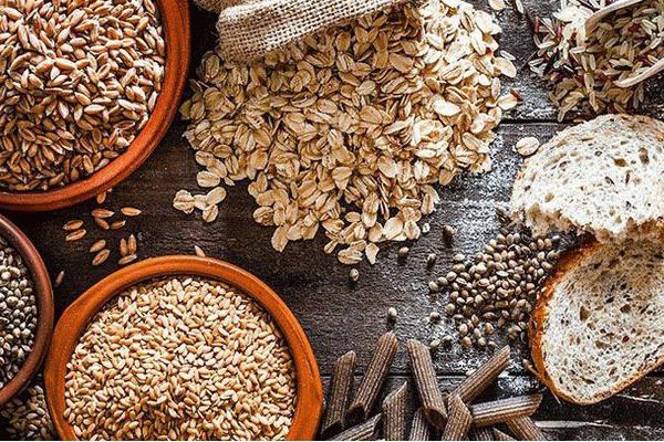 Sau phẫu thuật bệnh nhân ung thư đại tràng nên sử dụng ngũ cốc nguyên hạt để phục vụ cho quá trình hồi phục sức khỏe