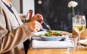 Bệnh nhân ung thư nên ăn gì? Vấn đề thay đổi vị giác do ung thư