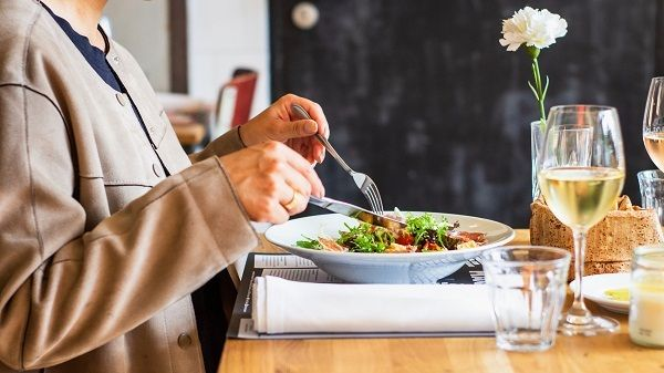 Bệnh nhân ung thư nên ăn gì để đảm bảo dinh dưỡng?