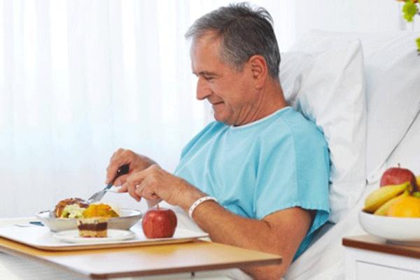 Bồi bổ sức khỏe cho bệnh nhân ung thư sau phẫu thuật có ý nghĩa quan trọng giúp bệnh nhân sớm hồi phục sức khỏe