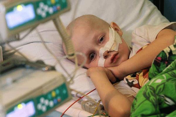 Dấu hiệu ung thư máu ở trẻ em
