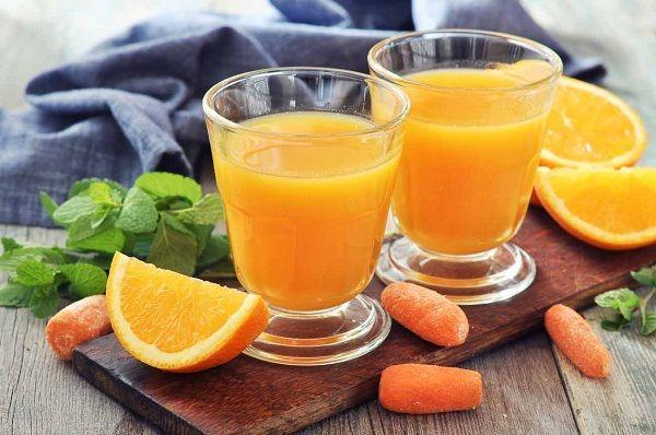 Thức ăn cho người hóa trị ung thư nên thêm nước cam để giảm khô miệng