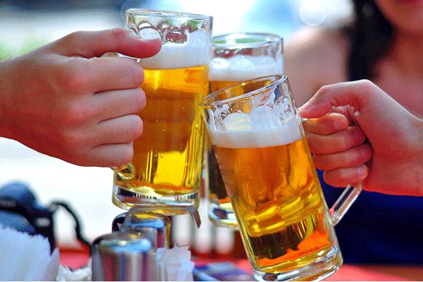 Người bệnh tuyệt đối không sử dụng rượu bia trong quá trình điều trị bệnh