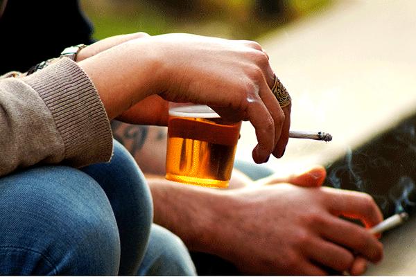 Để gia tăng hiệu quả điều trị, kéo dài thời gian sống người bệnh tuyệt đối không sử dụng rượu bia, thuốc lá