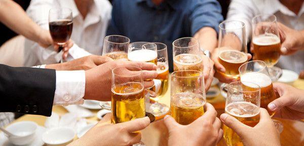 Uống nhiều rượu bia là nguyên nhân gây ung thư gan