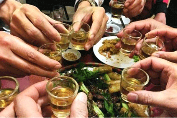 Người bệnh sau xạ trị tuyệt đối không được sử dụng rượu, bia, thuốc lá