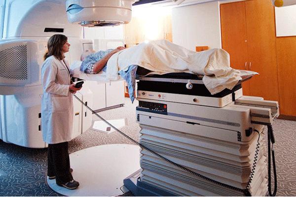 Điều trị ung thư tuyến tiền liệt bằng phương pháp xạ trị