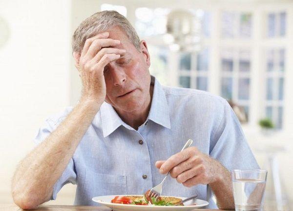 Ăn không ngon miệng là triệu chứng của ung thư đại tràng