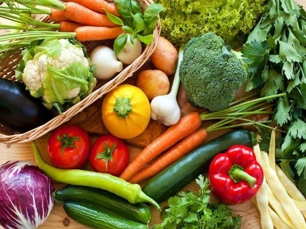 Bệnh nhân ung thư trực tràng cần bổ sung rau củ quả, chất xơ