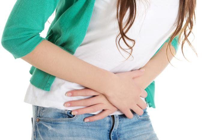 Các triệu chứng ung thư buồng trứng ở giai đoạn cuối thường kèm theo những cơn đau quặn, cổ trướng, tắc nghẽn hệ tiêu hóa