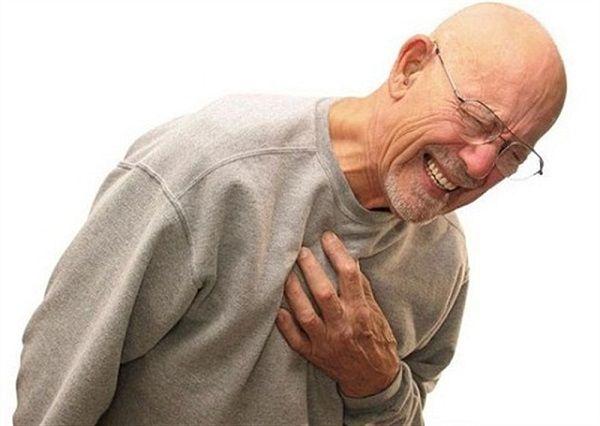 Dấu hiệu ung thư trực tràng khi di căn phổi là tràn dịch màng phổi, đau ngực, khó thở