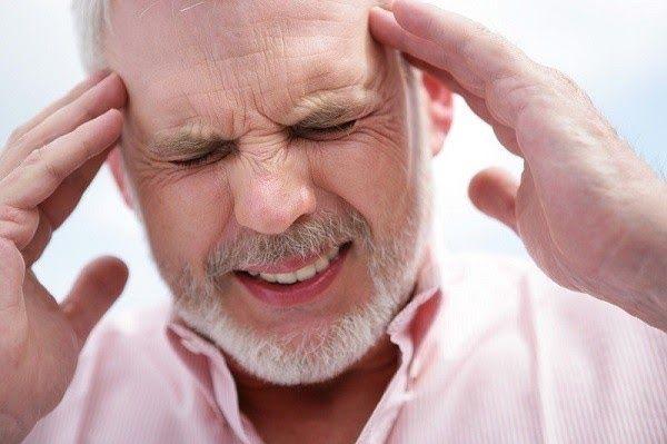 Nguy cơ mắc ung thư não tăng theo tuổi tác