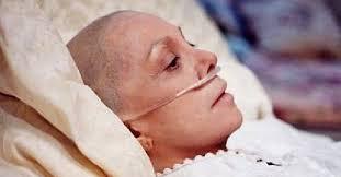 Nếu không được điều trị kịp thời, bệnh nhân ung thư buồng trứng dễ bị tắc ruột, dính ruột