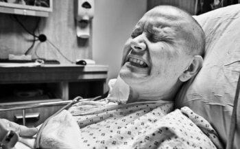 Cách chăm sóc người bệnh ung thư phổi giai đoạn cuối