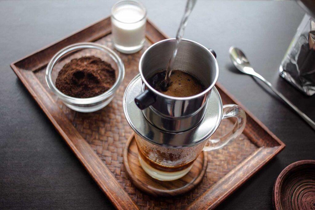 Người bị ung thư máu cần hạn chế sử dụng cà phê và các chất kích thích khác