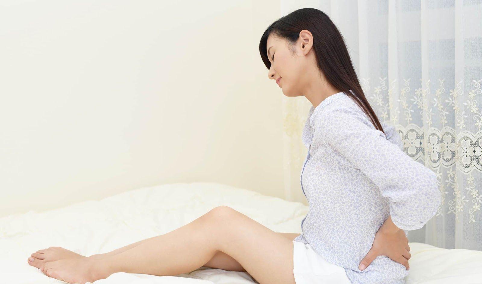 Đau vùng chậu là một trong những dấu hiệu của ung thư cổ tử cung