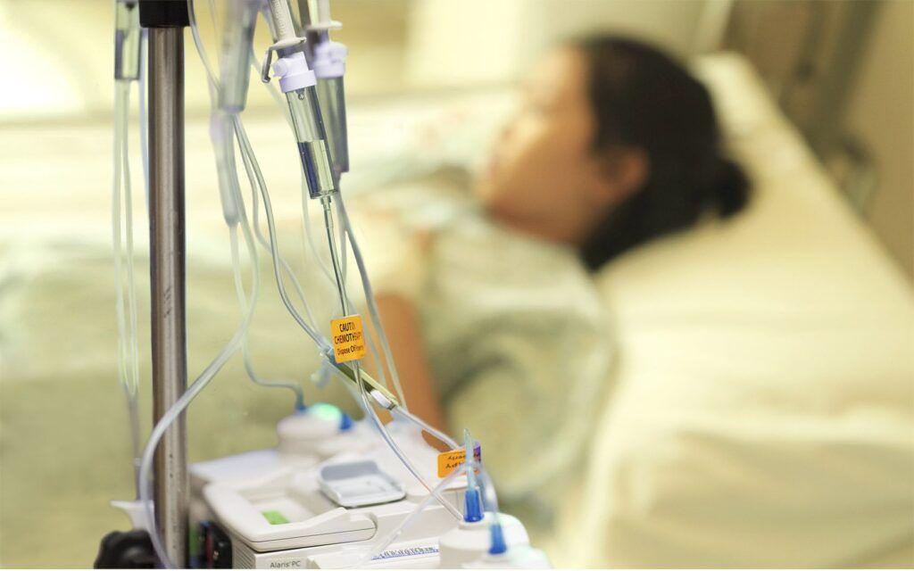 Đau đớn là một trong những tác dụng phụ của hóa trị ung thư bàng quang